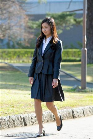 入学式の時に着ていたスーツがすごく清楚な感じ、おとなしいめの雰囲気でいい感じでしたね。